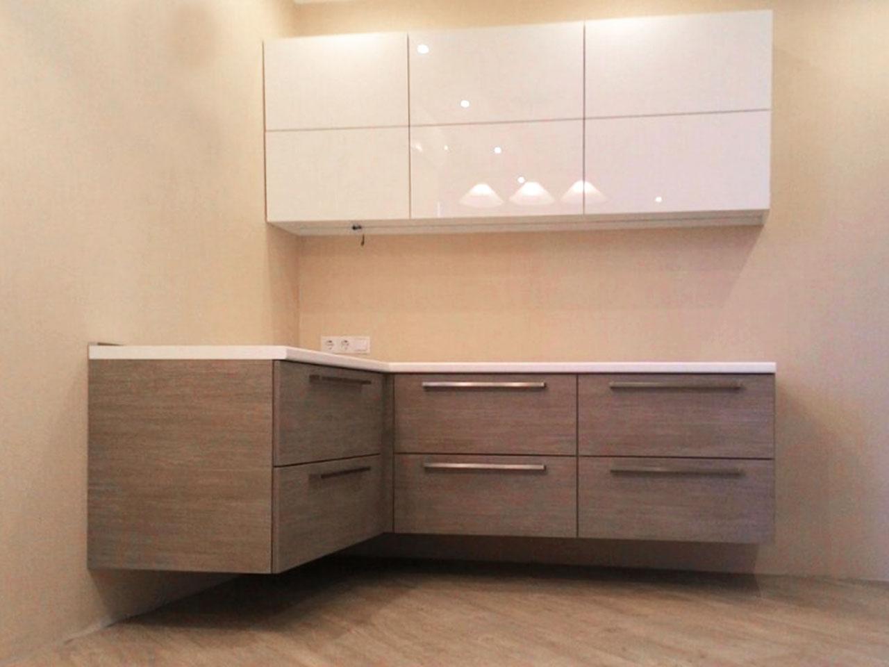 Фото. Встроенная кухня на заказ. Цена 130 тыс. рублей