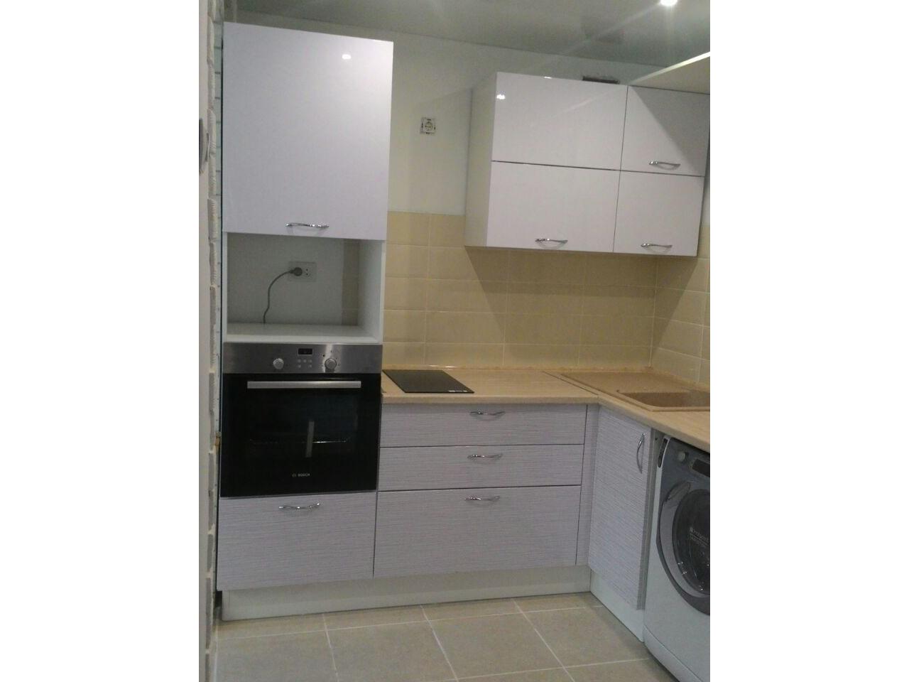 Фото. Кухня эконом класса. Цена 48 тыс рублей
