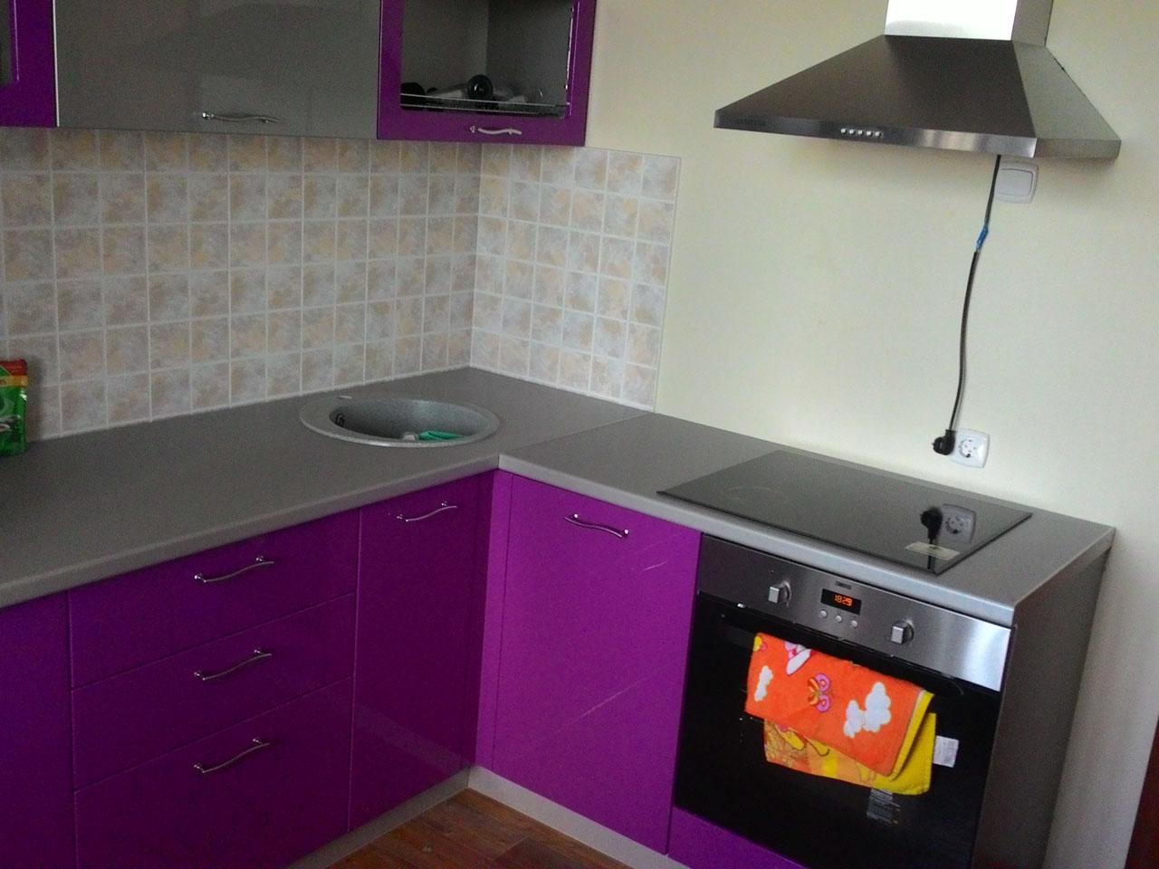 Фото. Кухня эконом класса. Цена 62 тыс рублей