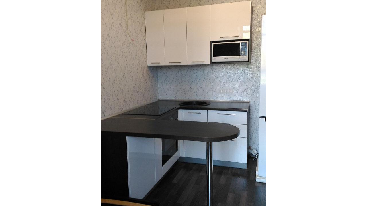 Фото. Кухня эконом класса. Цена 60 тыс рублей
